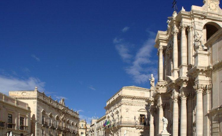Le_5_cose_da_non_perdere_nella_Sicilia_Sud-orientale__Siracusa__Noto_e_Modica_768x600